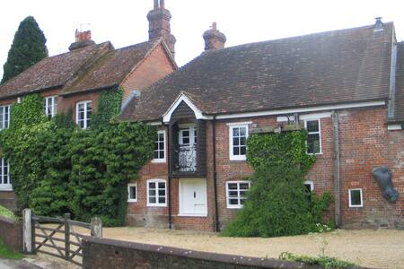 Mill House -The Race - Shalbourne  - Bed & Breakfast