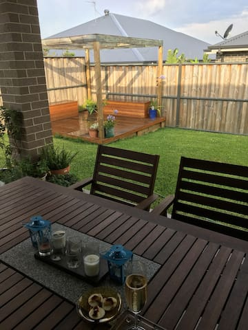 Private double room in quiet Pitt Town.