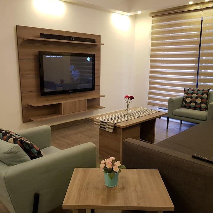 Contemporary Apartment Next To Mecca Mall