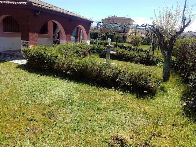 Casa CHARRITA a 2km de Salamanca - Villamayor - Huis