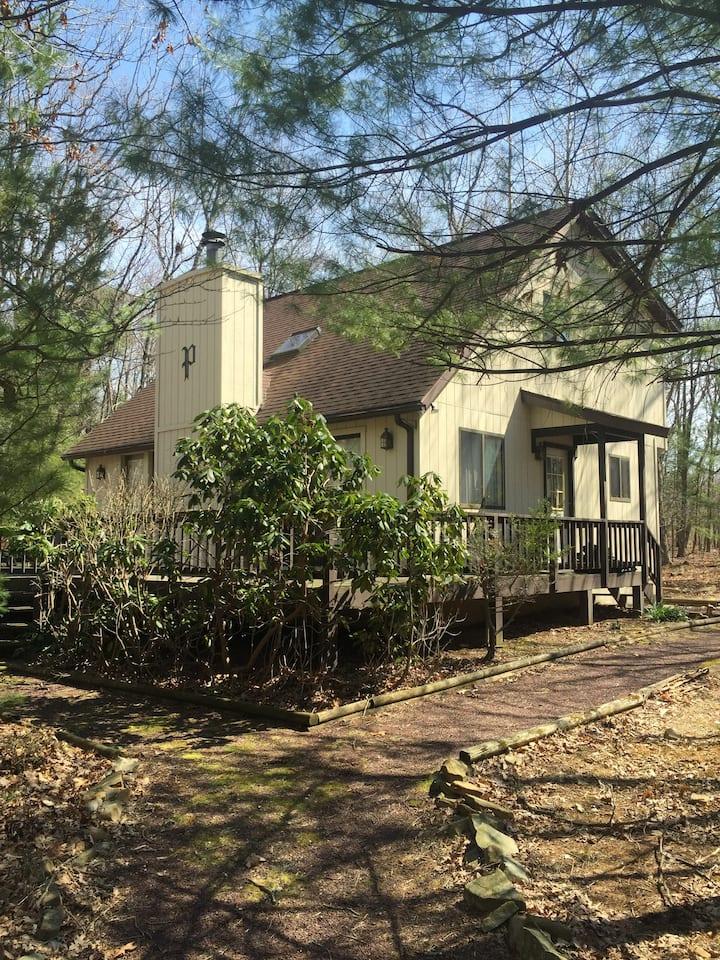Bear Creek Lake Retreat House