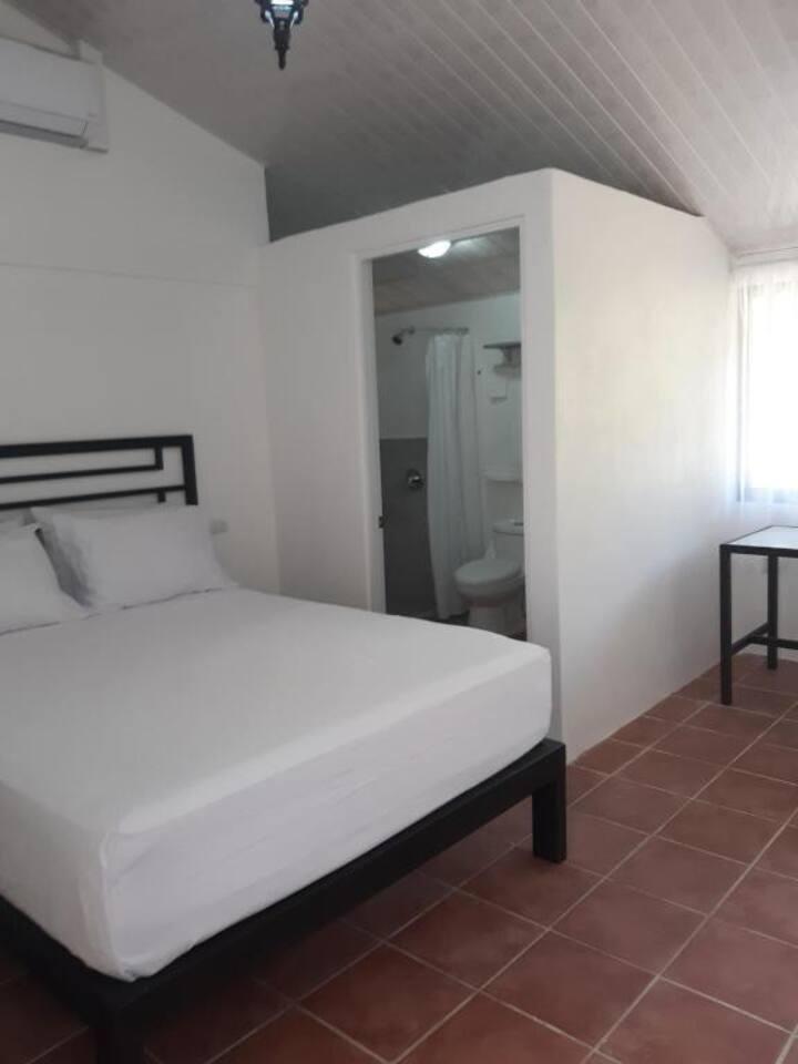 Vista Castillo Hotel - standard room (10)