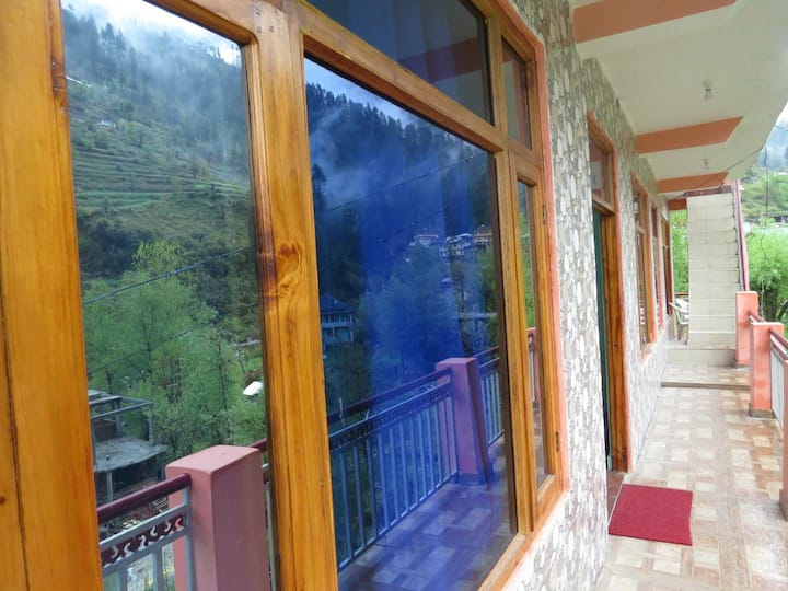 The White Hills Homestay, Jibhi, Himachal Pradesh