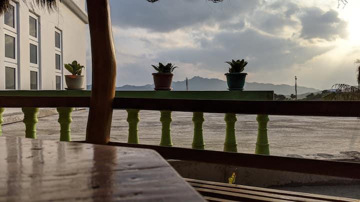 Ukuy's Place: Twin Room Window View Near Fundacion