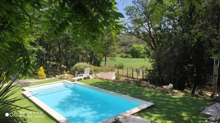 Comfortable villa with swimming pool and view