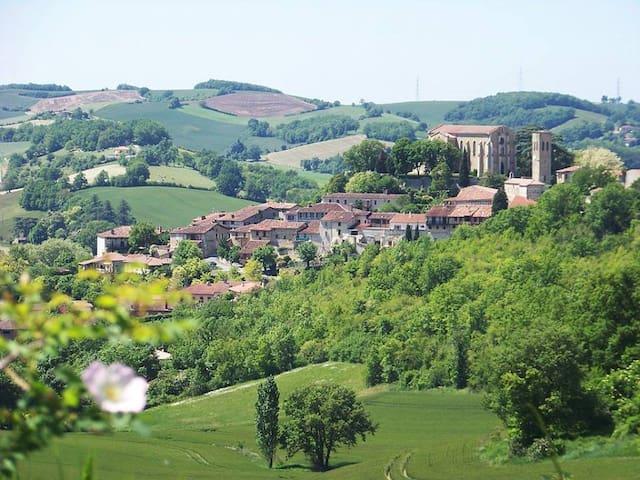 Castelnau-Barbarens, gite 4 à 6 personnes, piscine