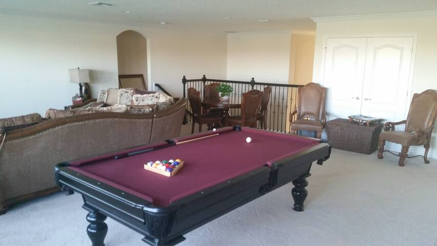 Spacious home in serene location - Orlando - House