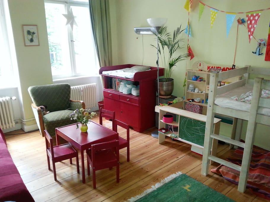 Zweites Schlafzimmer / Kinderzimmer