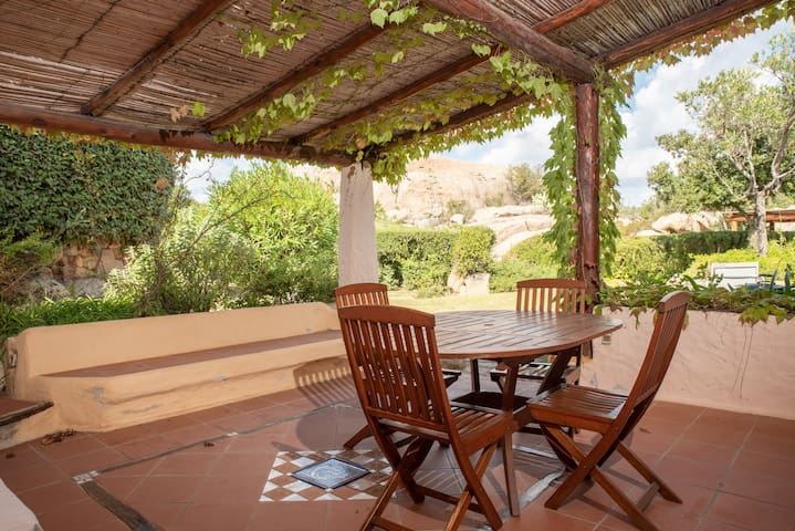 Peace and quiet in the midst of untouched nature - Casa Rosa with Wi-Fi and Terrace, Parking Available