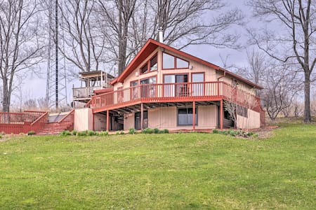 Family Home w/ Views - 2 Minutes to Swain Resort!