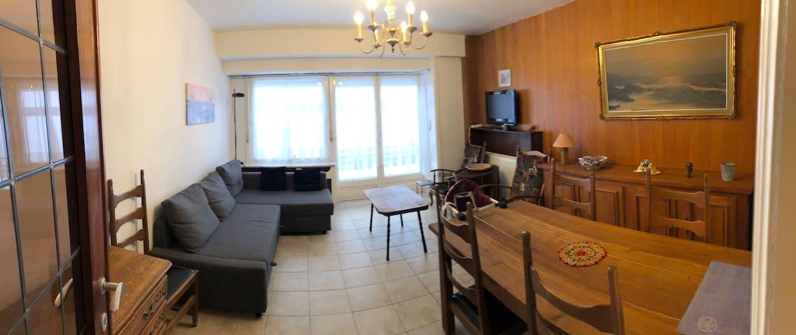Cozy Familial Apartment in Westende