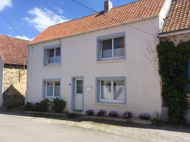 Maison à Wissant au coeur du village .