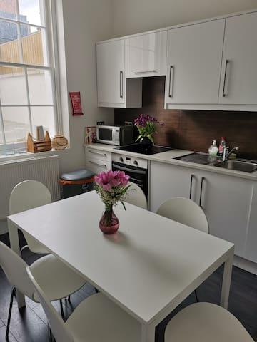 Marvellous ensuite apartment in Kingscross St