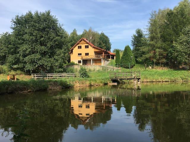Dom Nad Stawem - Futoma