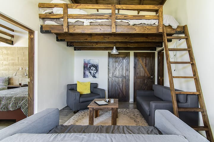 Loft Beds In Common Area w/Adjacent Bath - Jarabacoa - วิลล่า