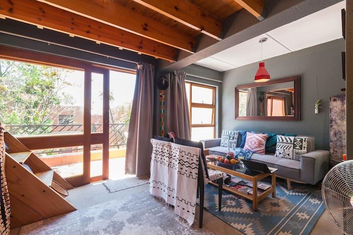 Hip, clean, and secure apartment - Sandton, Jozi - Sandton - Apartmen