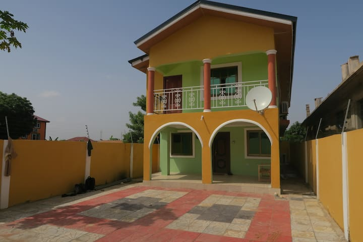 Accra, 2 etagers hus med dobbeltseng - Kwabenya