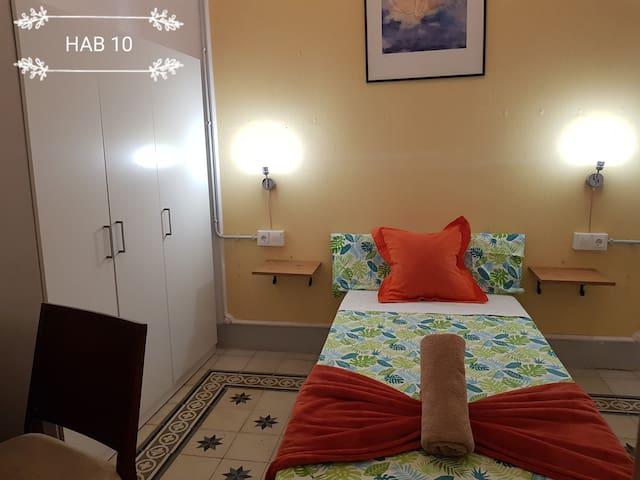 Room Center Gran Vía 10+ Wiffi+Code+Heating
