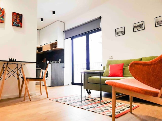 LINA - TIA, One Bedroom Apartment in  New Bazaar