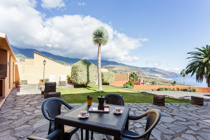 Villa Cruz 2 / Nice house with good views