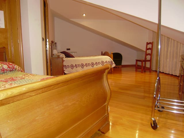 Habitacion para 4 Sarabe - Altsasu - Bed & Breakfast
