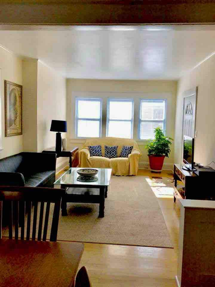 Private Single Family House 2Br/1B WIFI CABLE