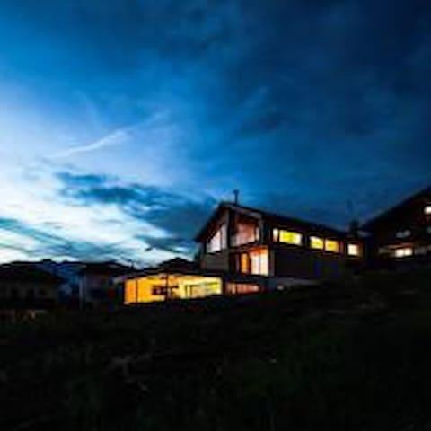 Studio in Mitten der Tiroler Bergwelt