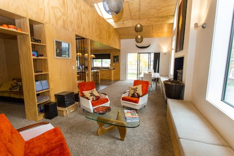 Frog Lodge - Enjoy Luxury & Style in Otematata