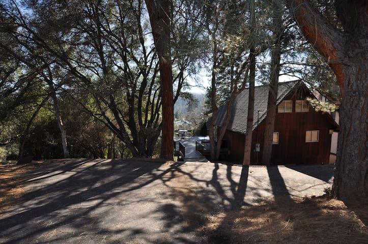 Deer Haven: PetOK, HotTub, Internet, Near Yosemite - Groveland