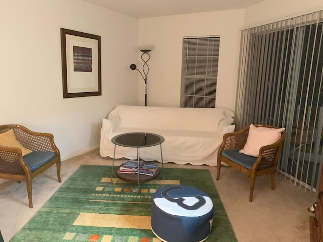 Annapolis cozy place-close to the city dock!