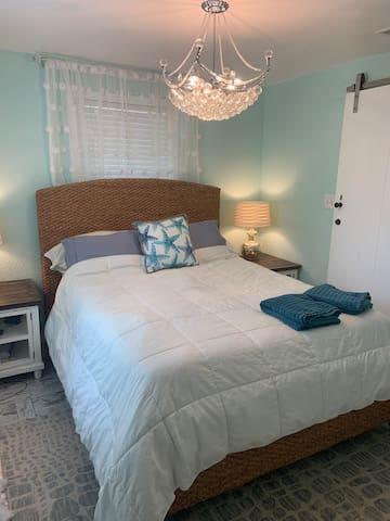 Bedroom 1- Queen Bed- sleeping 2