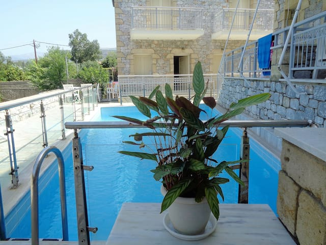 Manoleas Villas - beautiful maisonettes in Stoupa