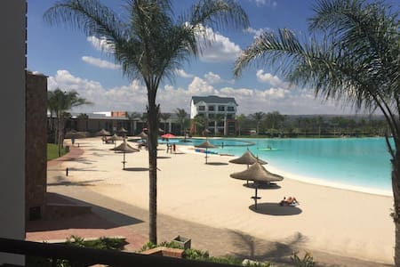 Ulo at Blyde   Stunning 1BR   Crystal Clear Lagoon
