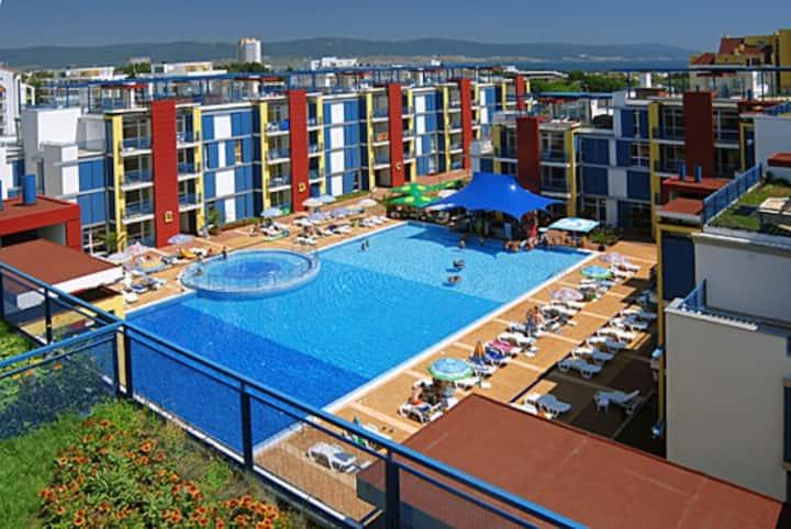 2 комн апартаменты для семейного отдыха, пляж 500м