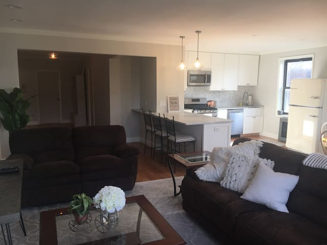 New Apt in Dtown WP steps from CityCenter & Train!
