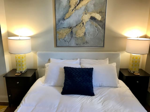 Cozy One Bedroom City Getaway