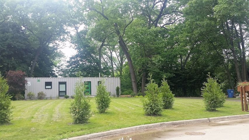 Modern Container Home - Benton Harbor - Muu
