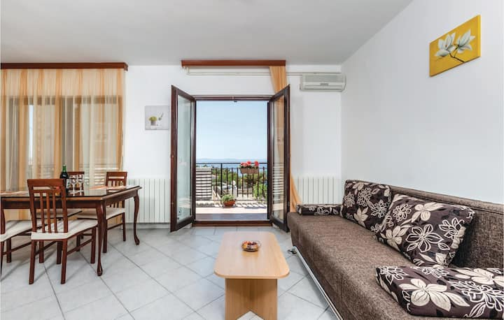 Amazing home in Podstrana with WiFi and 1 Bedrooms