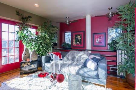 Luxury Master Bdrm/Bath En Suite w / Jacuzzi - Lancaster
