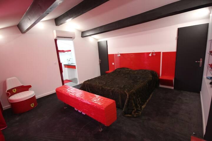 Chambre 4 Ferrari
