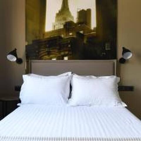 4 Seasons Luxury Apartments Studio 1