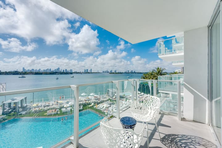 Balcony View, Sunset Pool,  24H Gym Spa Free WiFi - Miami Beach - Condominio