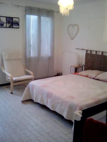 Appartement proche fontaine de vaucluse - Saumane-de-Vaucluse - Departamento