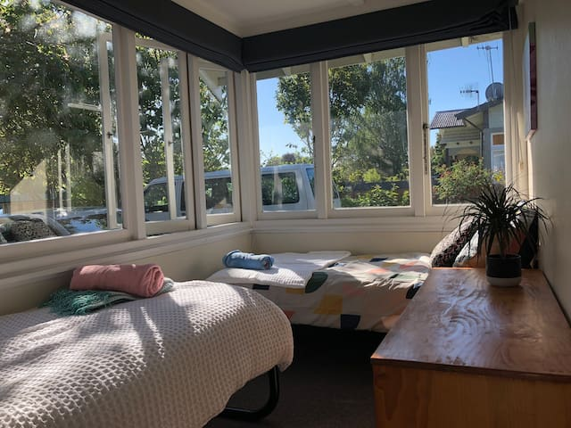 Twin room in a sunny spot