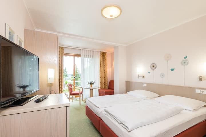 Gästehaus Anita, (Gailingen am Hochrhein), Doppelzimmer 2, mit Dusche und WC