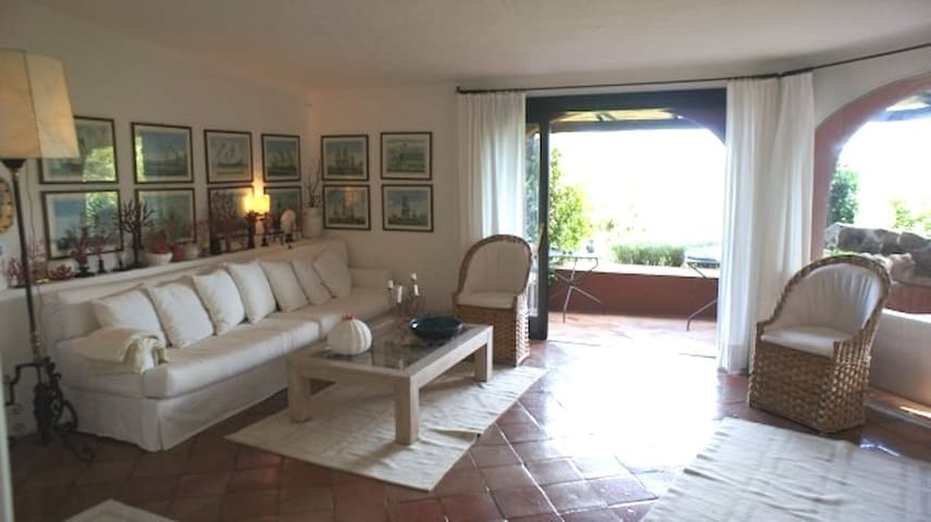 An elegant private flat on the Pevero Golf
