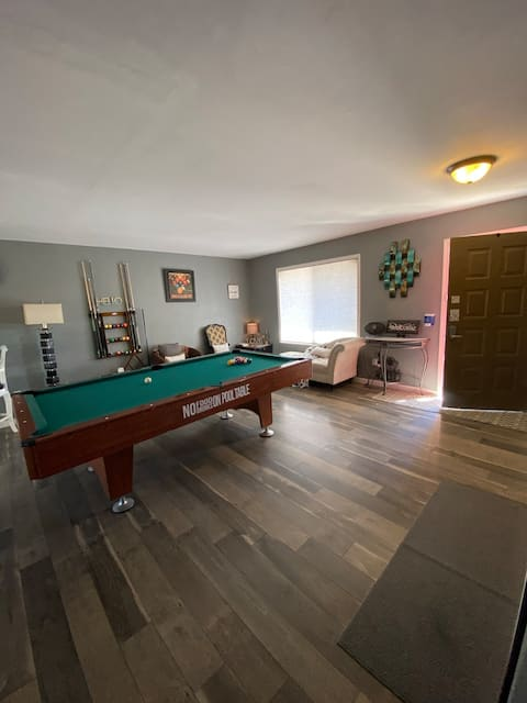 Pub like home near Downtown Fernley - pool table!