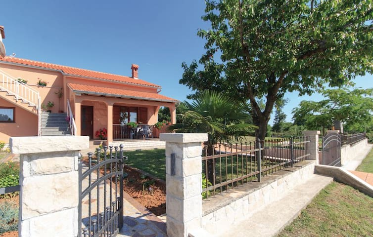 "Lovely holiday house ""Nora"" - Barban - Casa de vacances"