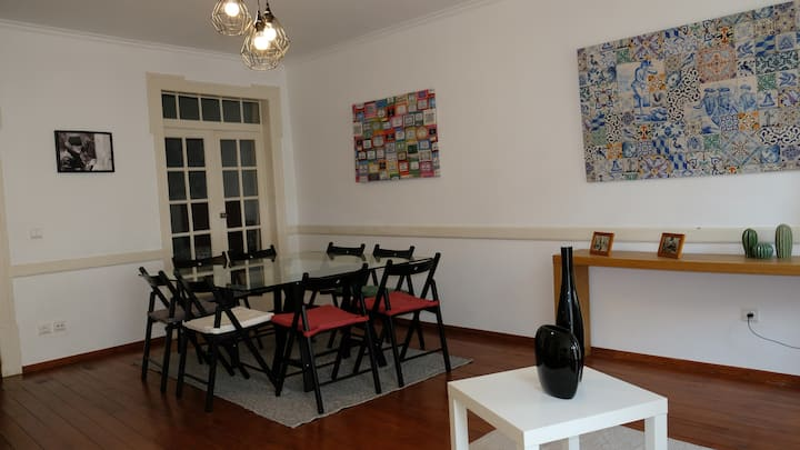 Apartamento central para grupo ou familias