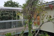 Treetops Apartment / Self Contained / Gemstones